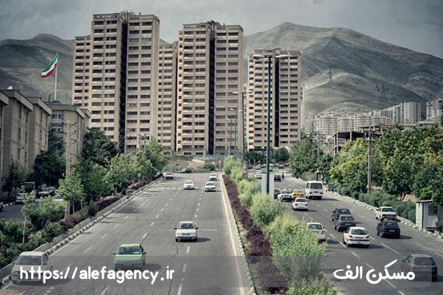 با سکونت در محله سعادت آباد ضمن رهایی از ازدحام و ترافیک تهران هوایی پاک و محیطی مملو از بوستان های مفرح ،کتابخانه ، سینما در اختیار خواهید داشت .